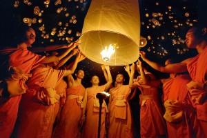 Volle maan - feest van de lichtjes met Tazaungmon
