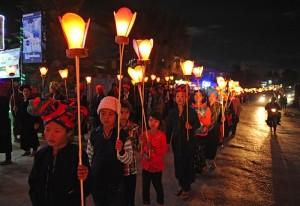 lotus lampionnen ter viering van het Tazaungdaing festival